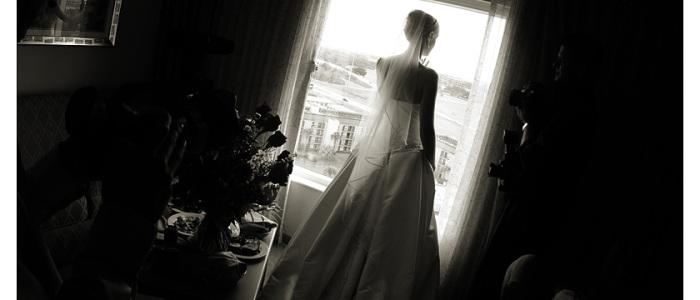 ventana, contraluz, novia, espera, velo, vestido