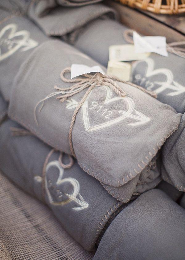 boda invierno, regalo, personalizacion, chocolate, piña, canela, vela, nieve, magia, frio, miel,manta, regalo original, regalo util