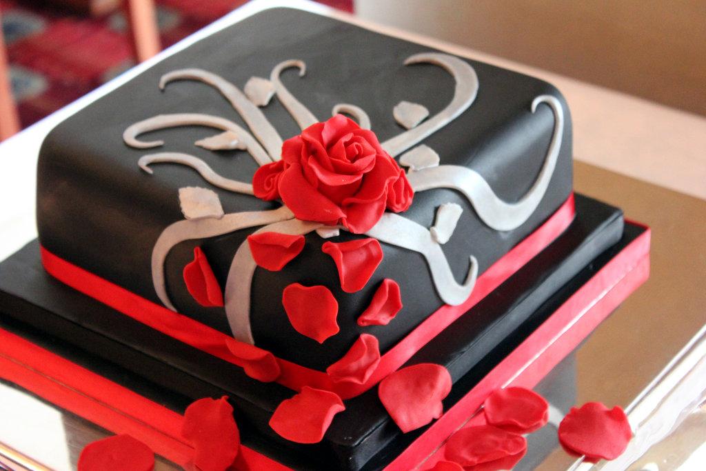 tarta, boda, ceremonia, convite, weddingplanner, novia, menu, dulce, fondant, chocolate, negro, rojo