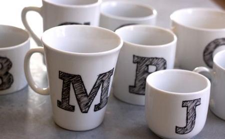 personalización, tazas, DIY, manualidades, regalo, sorpresa novio, novios, pareja, decoración, invitados, boda, comunion, celebración, porcelana, dibujos, mugs